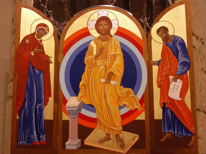 聖像畫則流露聖母及多默的侍主情深