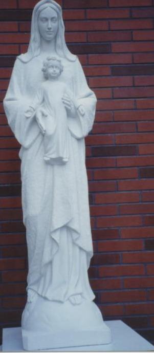 聖母在門前送子,是要將基督帶給世人,望人們得著恩佑。